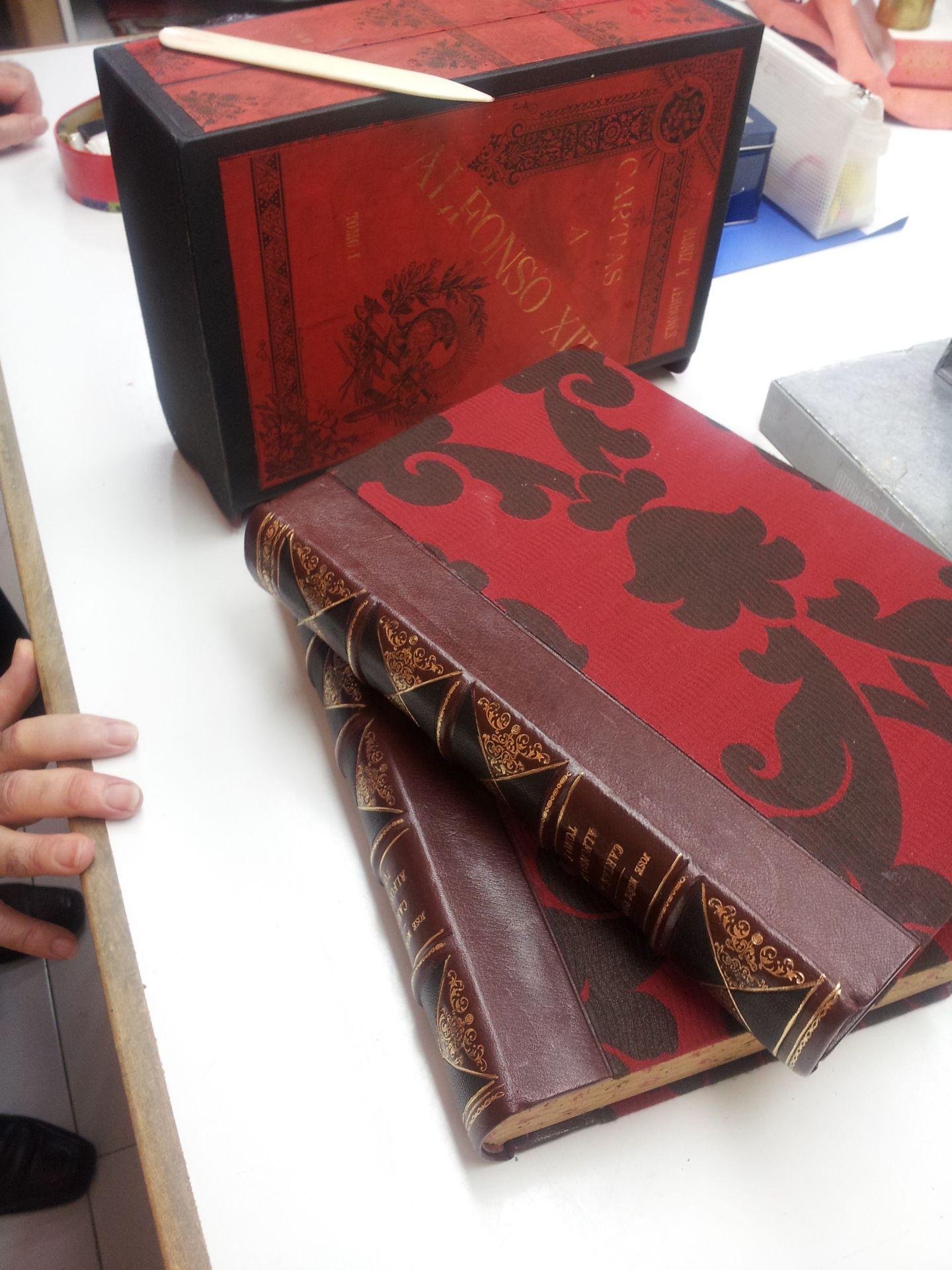 estuche 2 con sus libros
